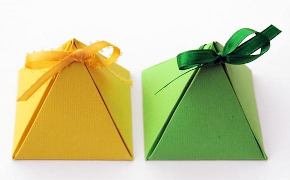 Tự làm hộp quà đẹp hình kim tự tháp