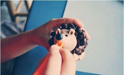 Đồ chơi sáng tạo: Làm chú nhím đáng yêu từ quả thông