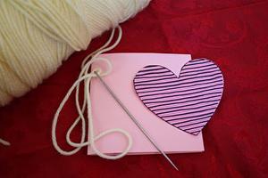 Tự làm thiệp trái tim tặng người yêu
