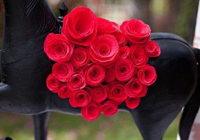 Cách làm hoa hồng bằng giấy đẹp như thật