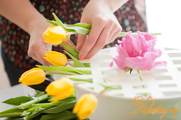 Cách cắm hoa độc đáo không cần xốp