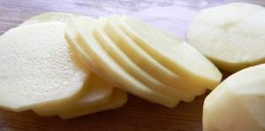 Cách làm khoai tây cuộn tôm ngon