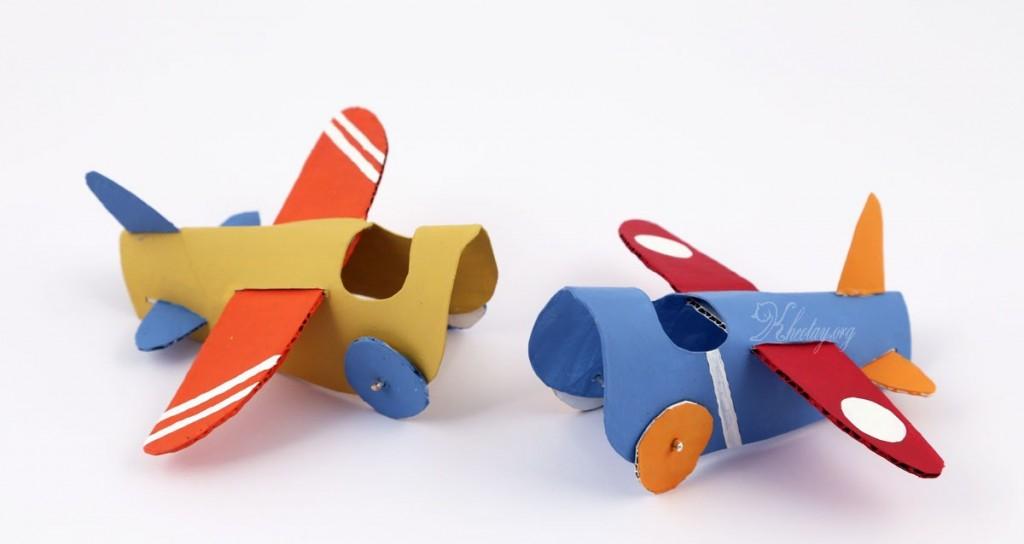 Tự làm máy bay đồ chơi