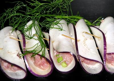 Hướng dẫn làm cà tím cuộn thịt chiên giòn ngon