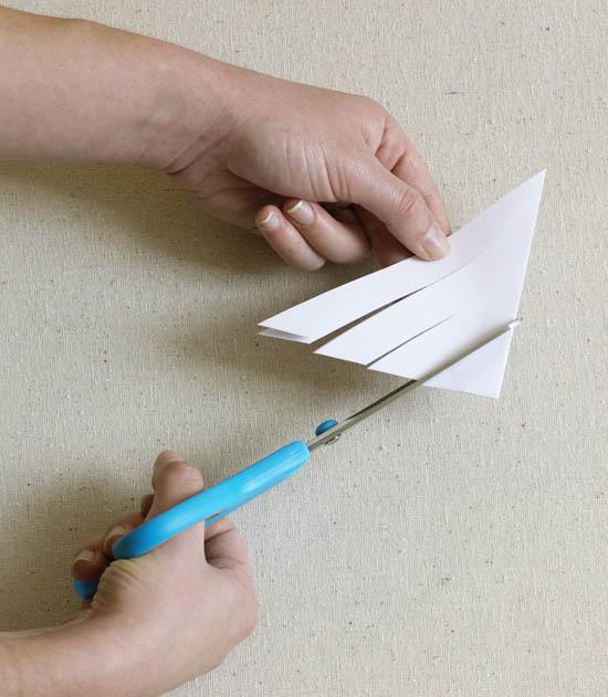 Hướng dẫn làm bông tuyết 3D bằng giấy