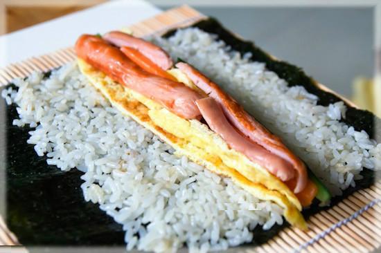 Cách làm cơm cuộn Hàn Quốc ngon