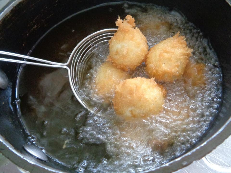 Cách làm trứng cút sốt me ngon