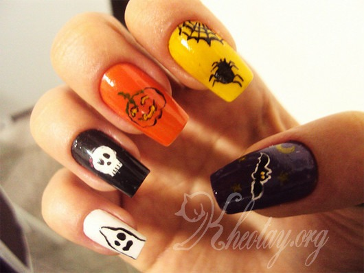 Hướng dẫn sơn móng tay Halloween đơn giản