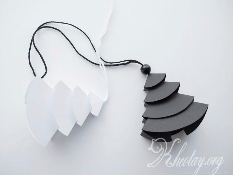 Cách làm đồ trang trí cây thông Noel bằng giấy