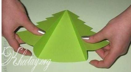 Cách làm thiệp Giáng Sinh đơn giản hình cây thông Noel