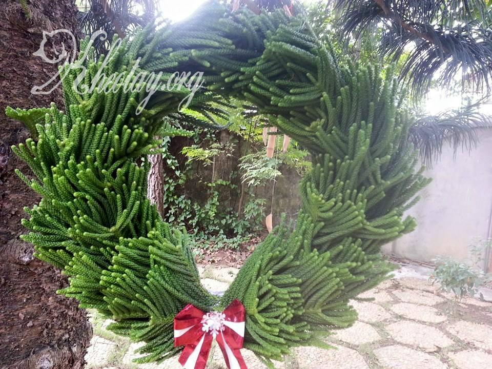 Cách làm vòng treo cửa Giáng Sinh