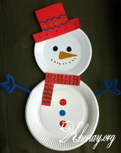 Hướng dẫn làm người tuyết bằng đĩa nhựa