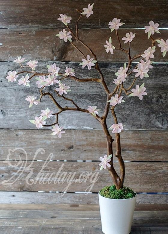 Cách trang trí nhà ngày tết cùng cây hoa anh đào bằng giấy