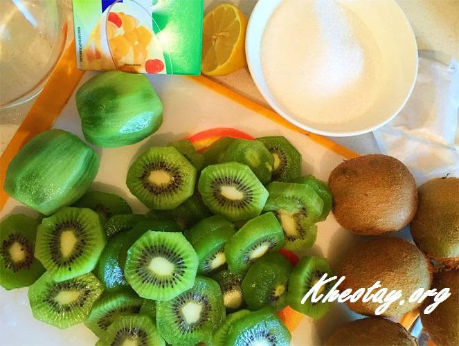 Cách làm kẹo hoa quả cuộn ngon