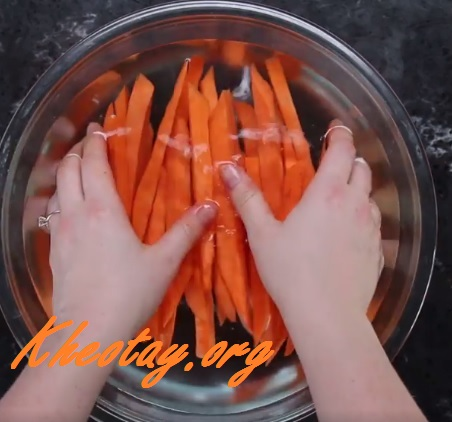 Cách làm khoai lang tẩm gia vị nướng