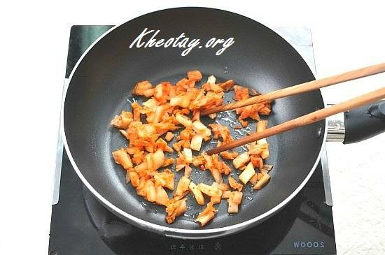 Cách làm cơm cuộn đơn giản, ngon, đủ dinh dưỡng